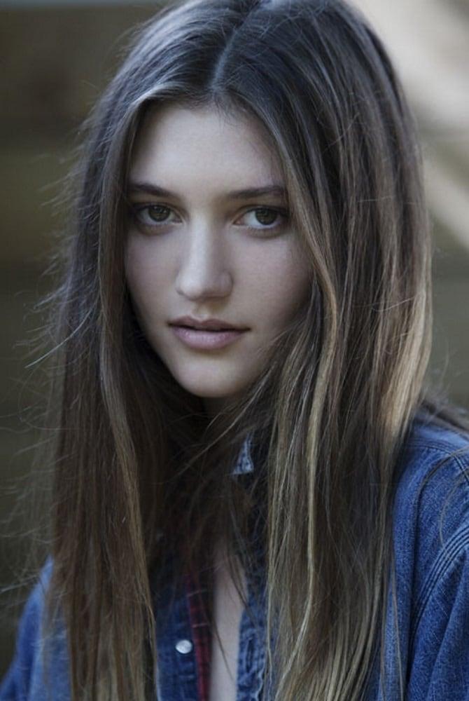 Picture of Elizabeth Elam