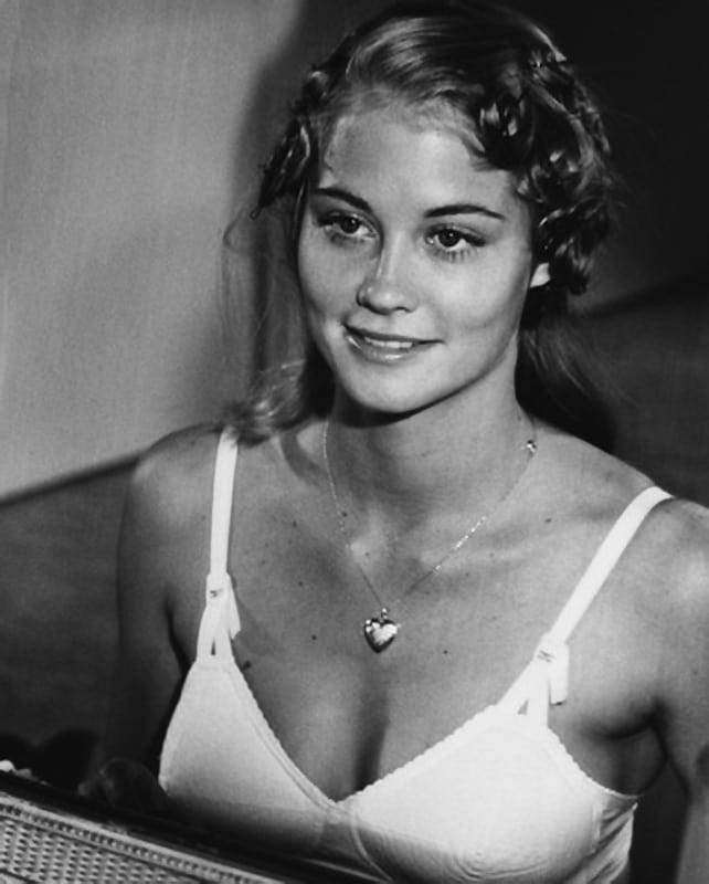 cybill shepherd - at home with cybill