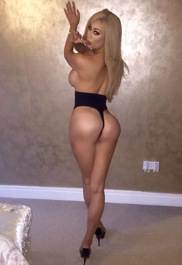 Blond slut love to do it all 9