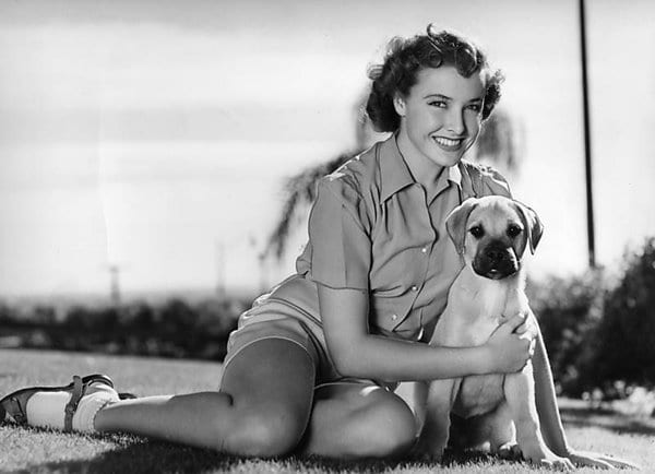 laraine day feet