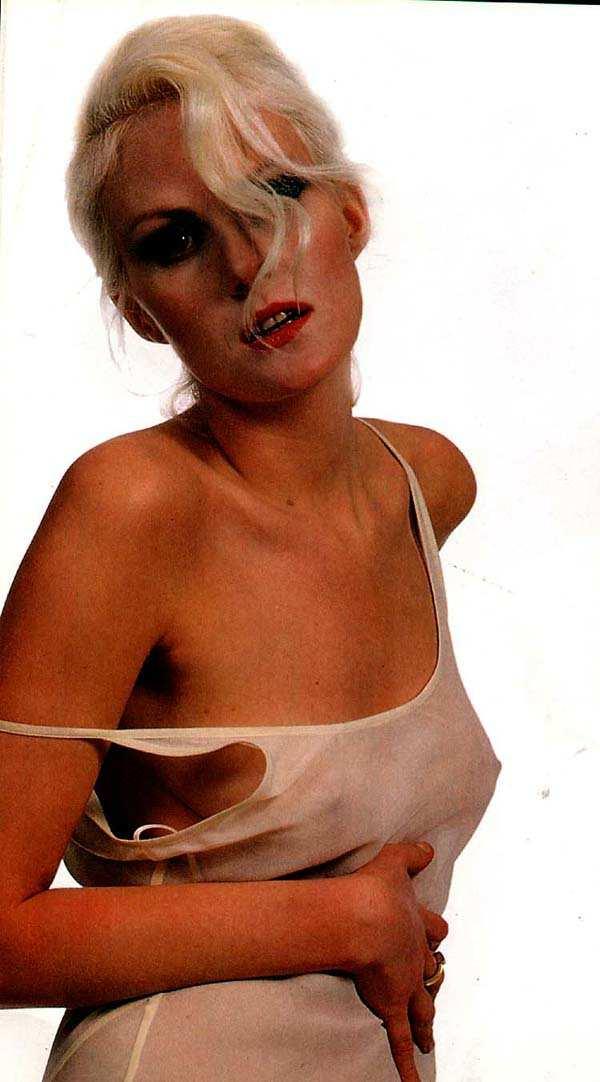 эротика фото рената литвинова