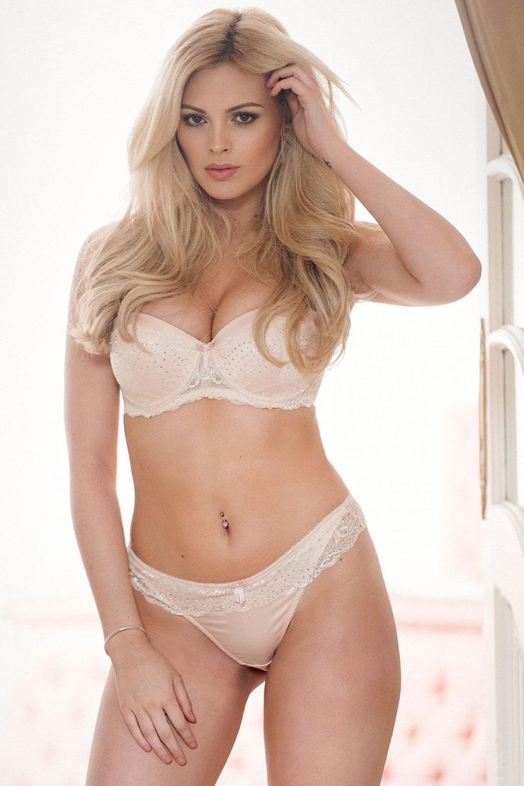 Delila darling nude