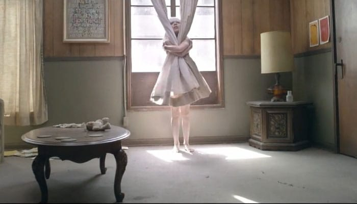 Picture of sia chandelier mozeypictures Images