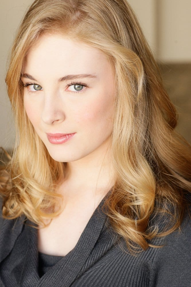 Jenny Leona