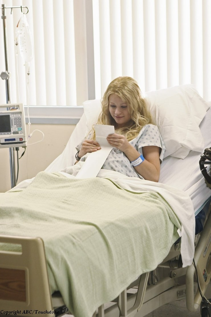 Эмили де рэвин беременна
