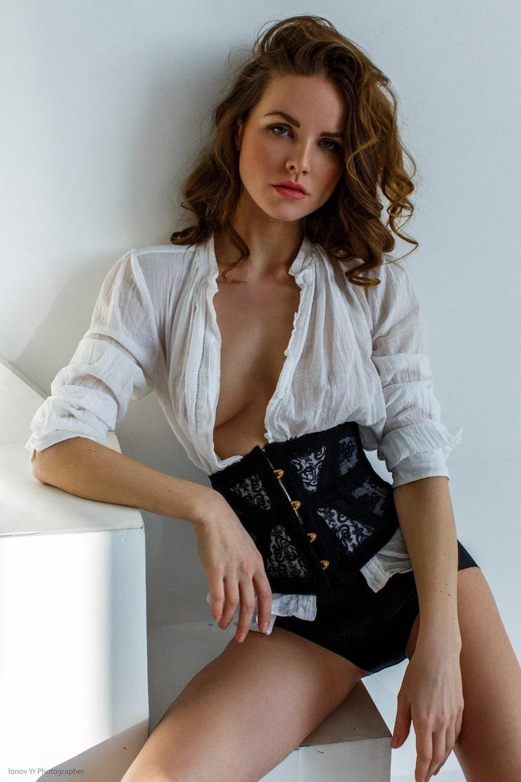 Kristina Yakimova Nude Photos 38