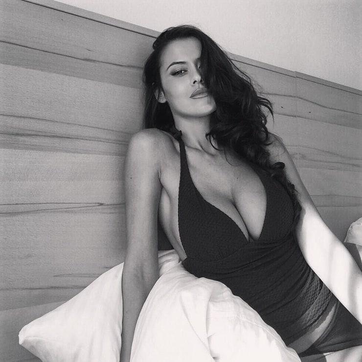Eva Padlock