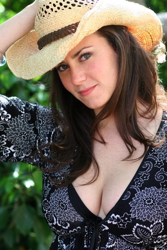 Katie Featherston Bikini Katie featherston photoshoot