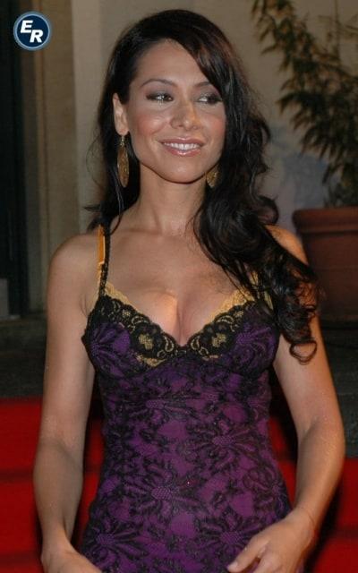 Sexy sandra ahrabian Sarah Shahi
