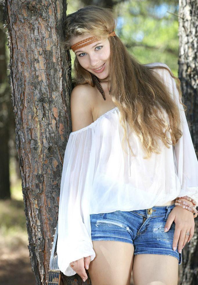 Marianna Merkulova Pictures in an Infinite Scroll - 10