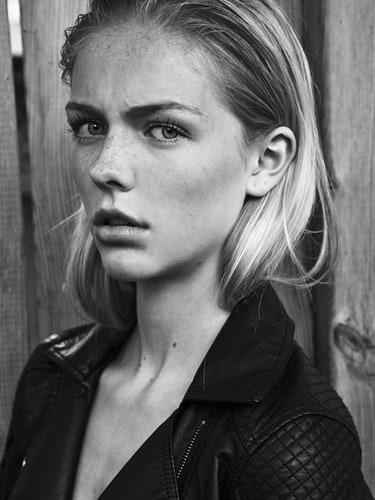 Annika Boron Nude Photos 23