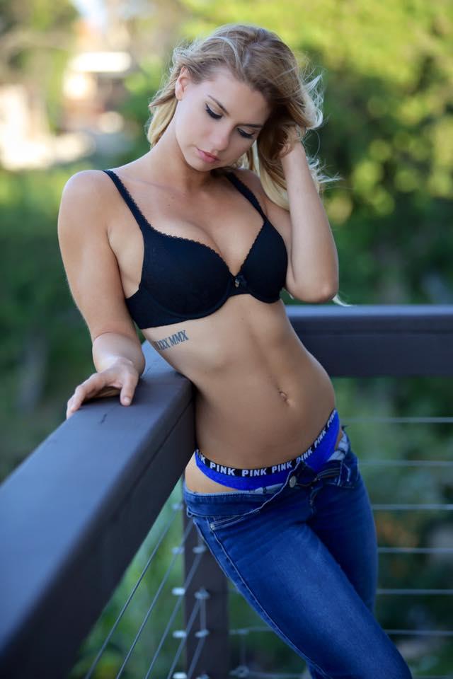 Nicolette Robinson photos