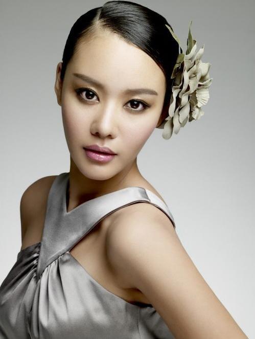 Ah-jung Kim Nude Photos 19
