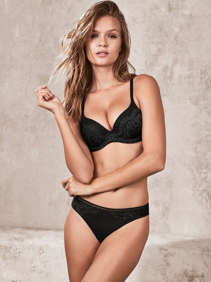 Sexy Big Boobs Girl Josephine Skriver In Black Lingerie