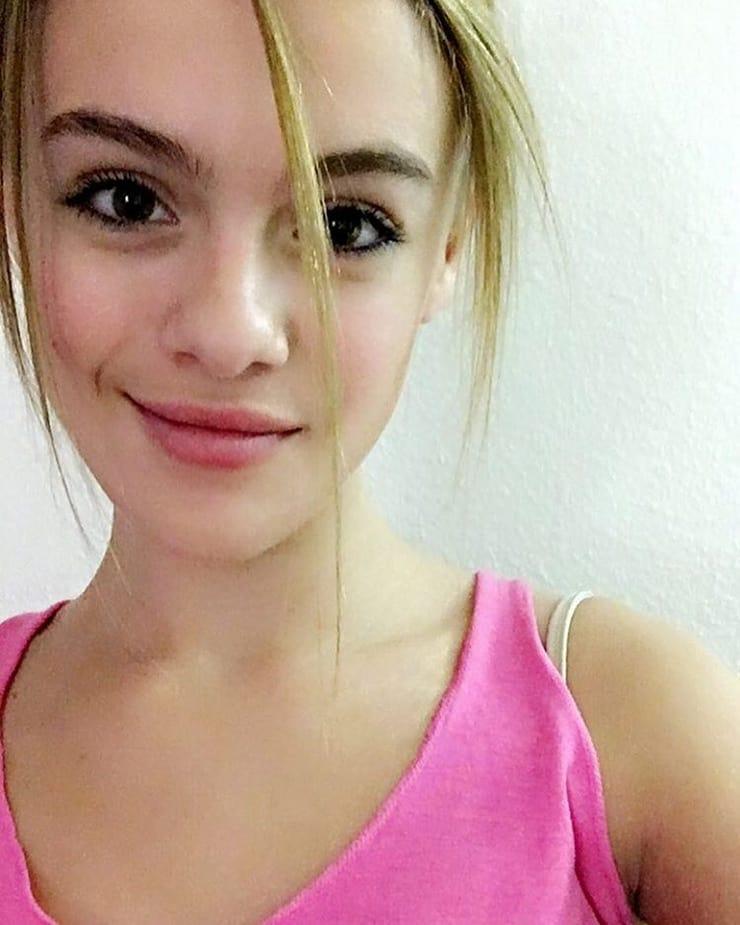 Isabella Alexander