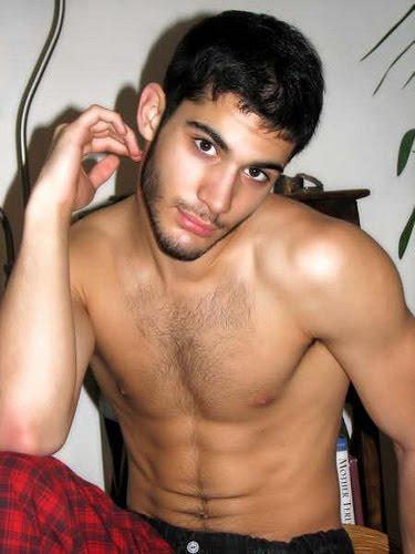 krasivie-golie-arabskih