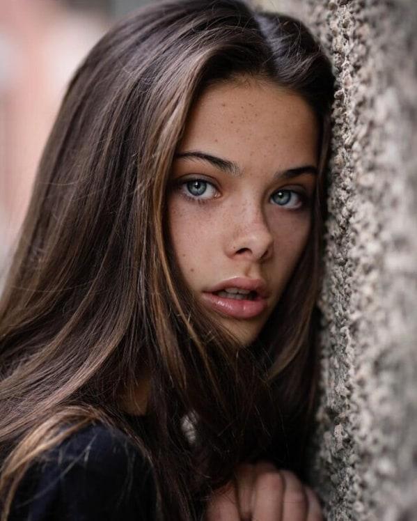 Picture Of Meika Woollard