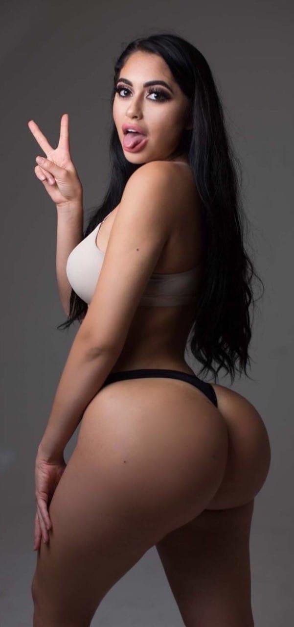 Juicy bubble butt model from ghana 4