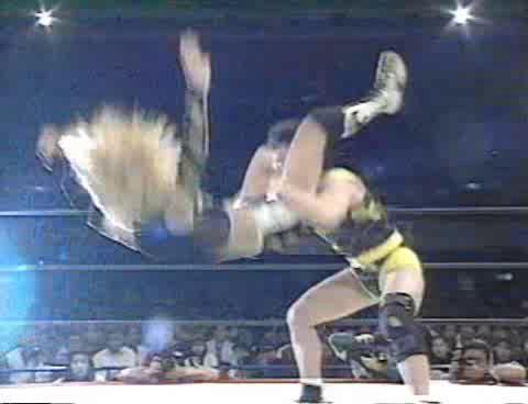 Akira Hokuto & Aja Kong vs. Shinobu Kandori & Eagle Sawai