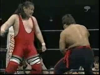 Shinya Hashimoto & Tadao Yasua vs. Tamon Honda & Masao Inoue (4/18/01)