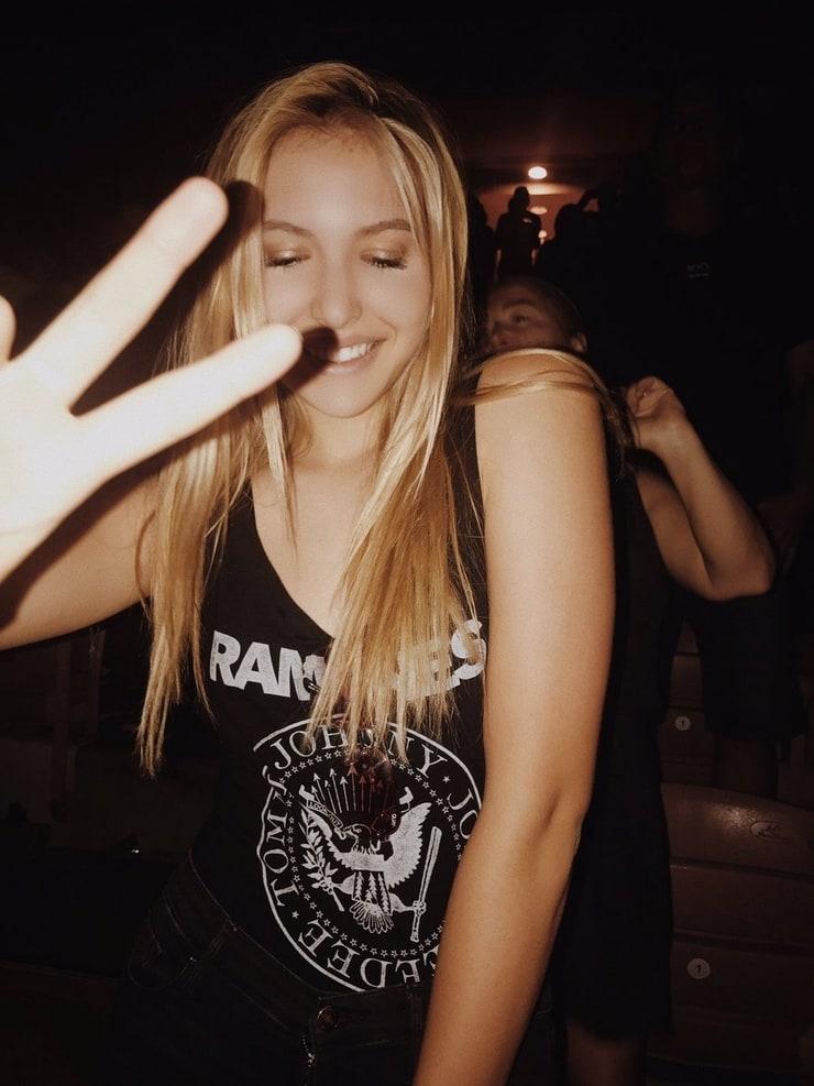 Emma Prybis