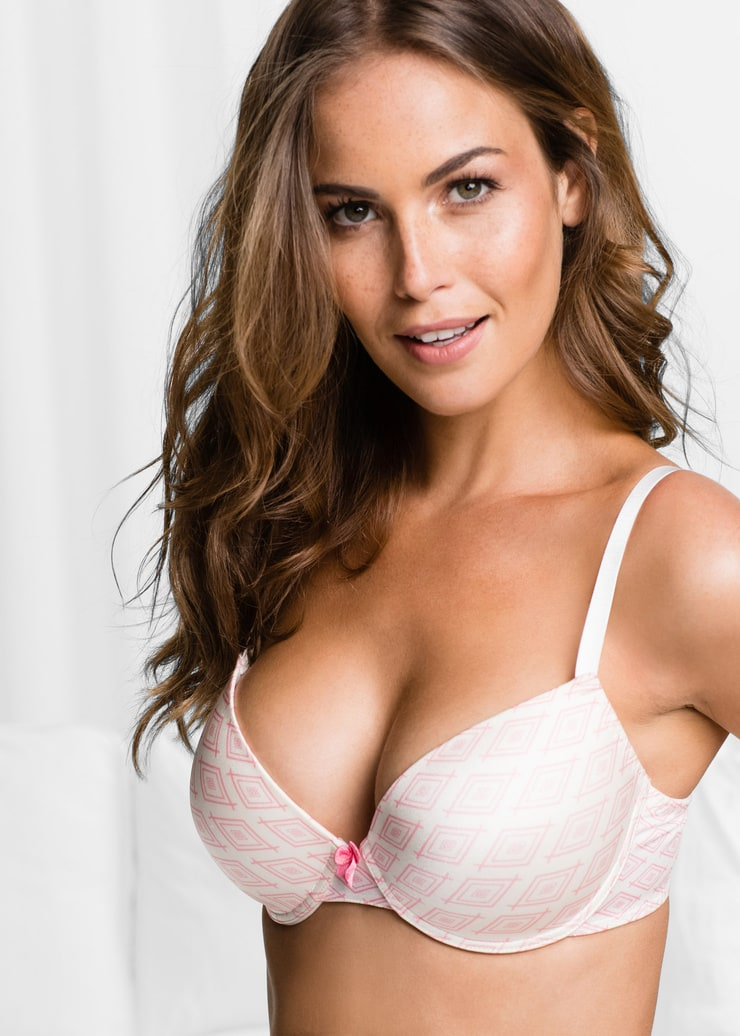 Veronica Assis