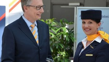 Lufthansa launches iPads for cabin crew