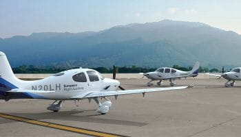 Lufthansa's flight training school in Phoenix to buy new Cirrus SR 20 aircraft