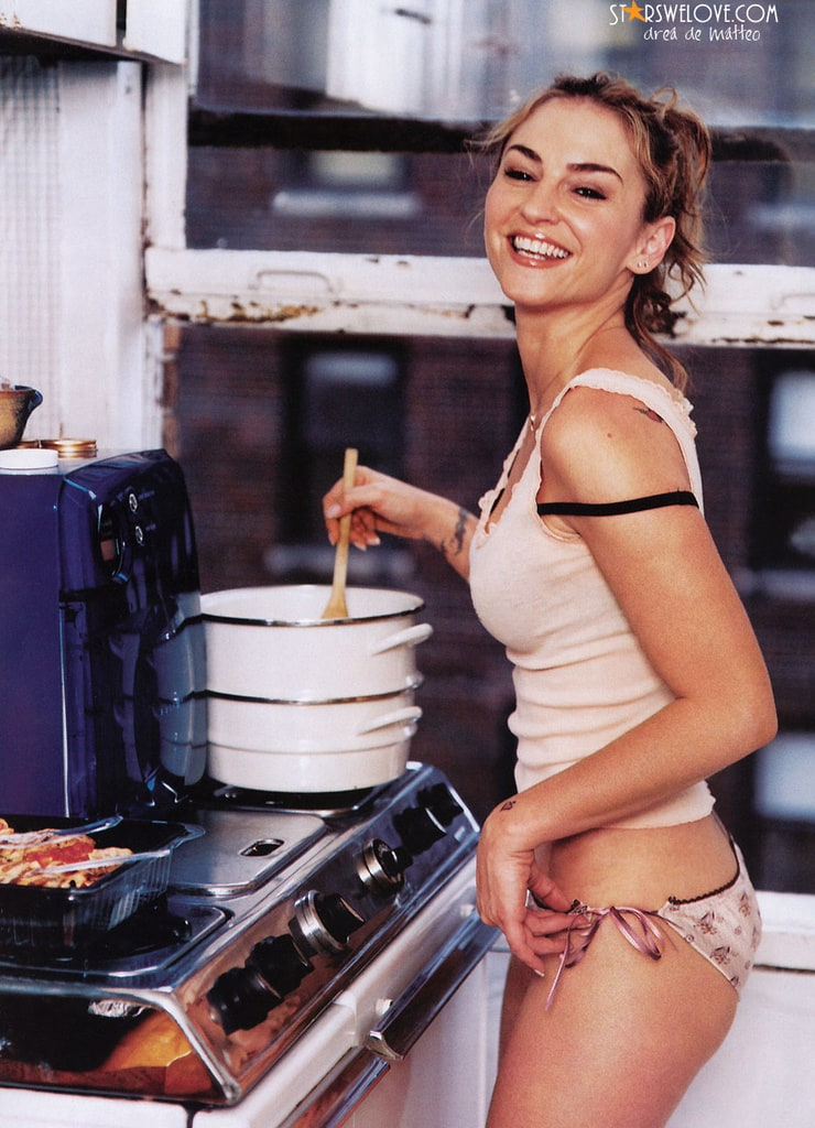 Naked Drea de Matteo in Sons of Anarchy