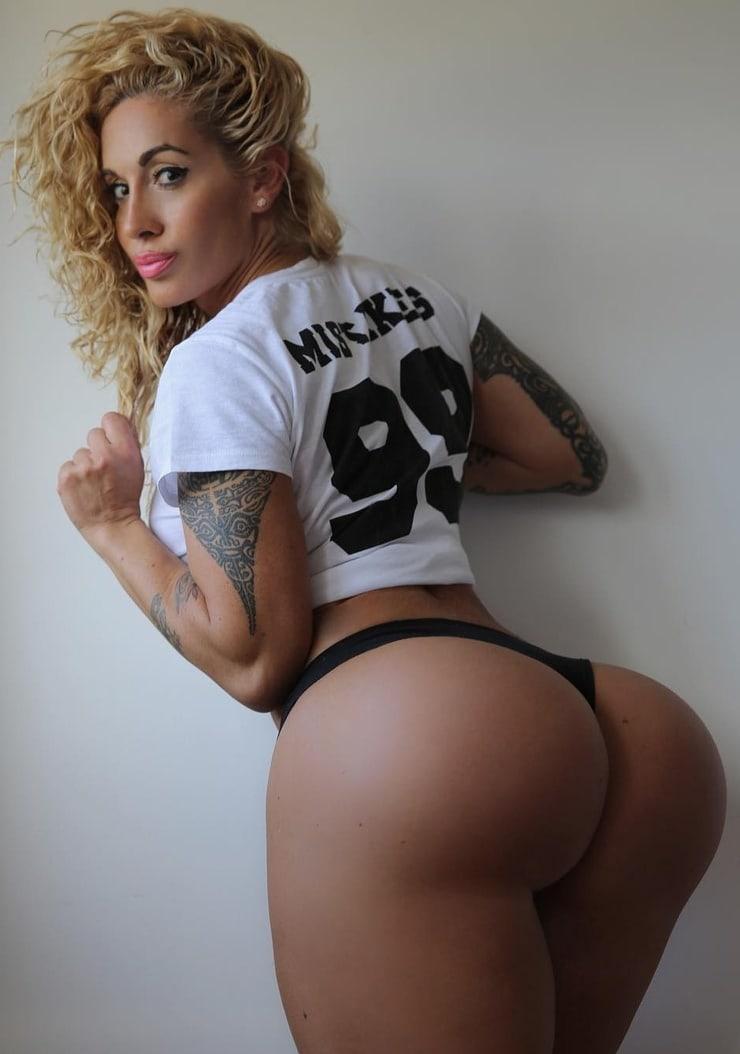 Holly Biga  ShemaleStarDBcom