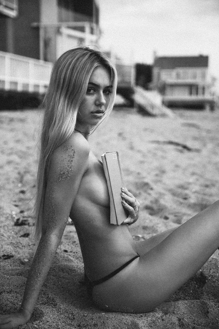 Eager model kara del toro posing in revealing swimwear