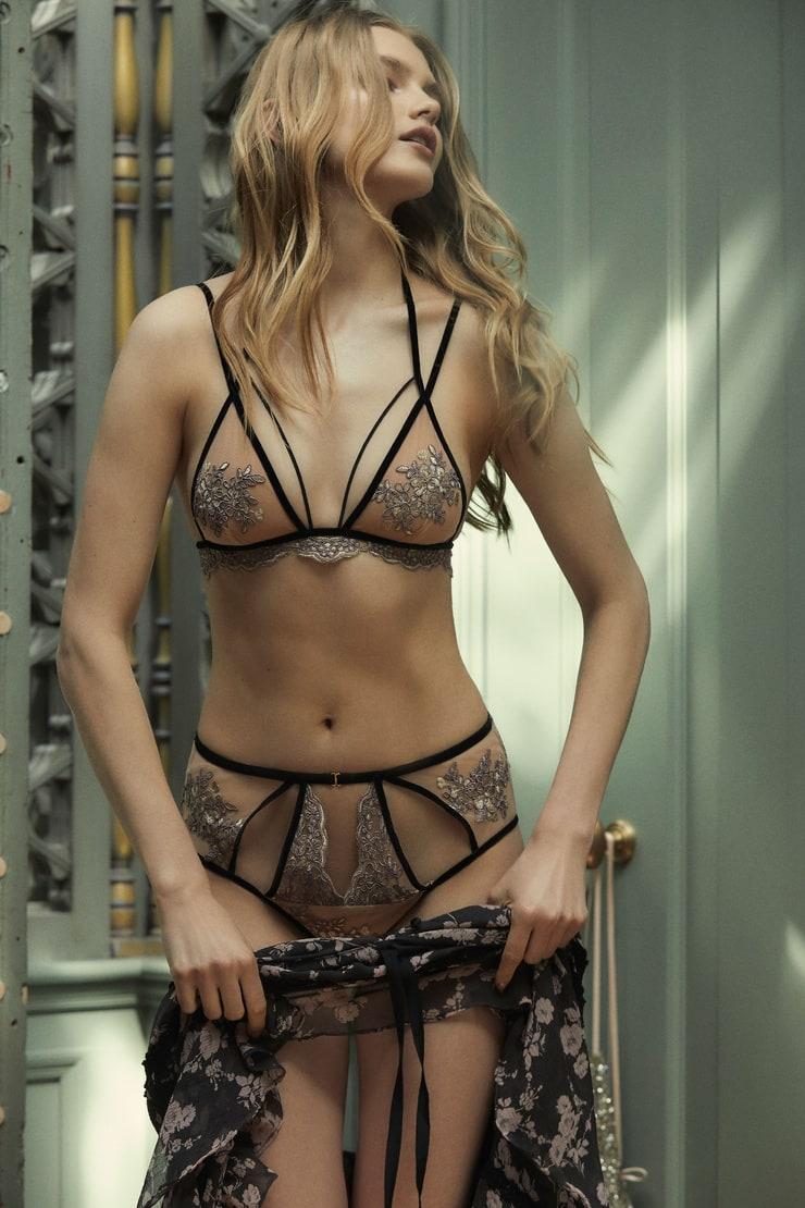 Sexy Vittoria Ceretti naked (51 photos), Topless, Cleavage, Twitter, in bikini 2019