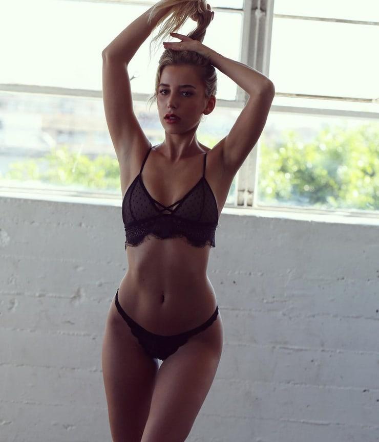 Corinna Feury