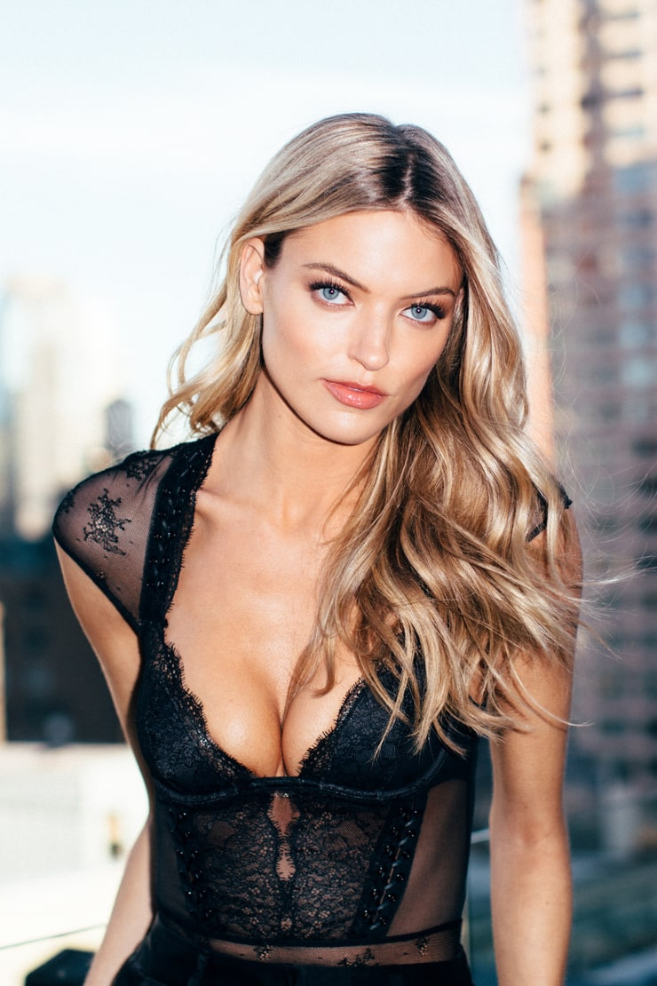 Martha Hunt Nude Photos 80