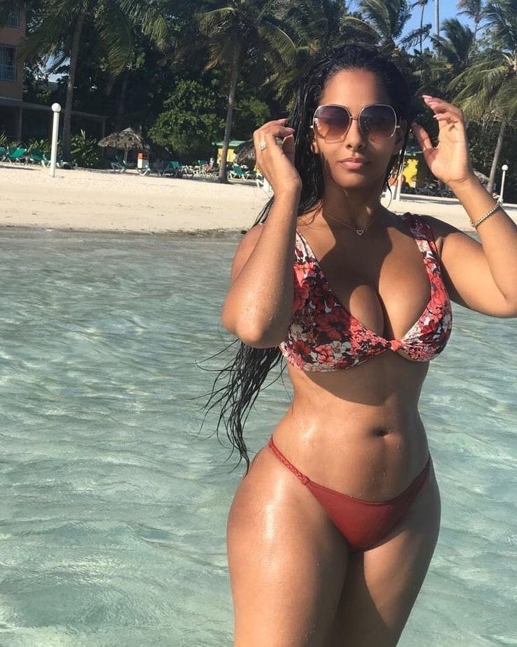 Ayisha Diaz Nude Photos 23