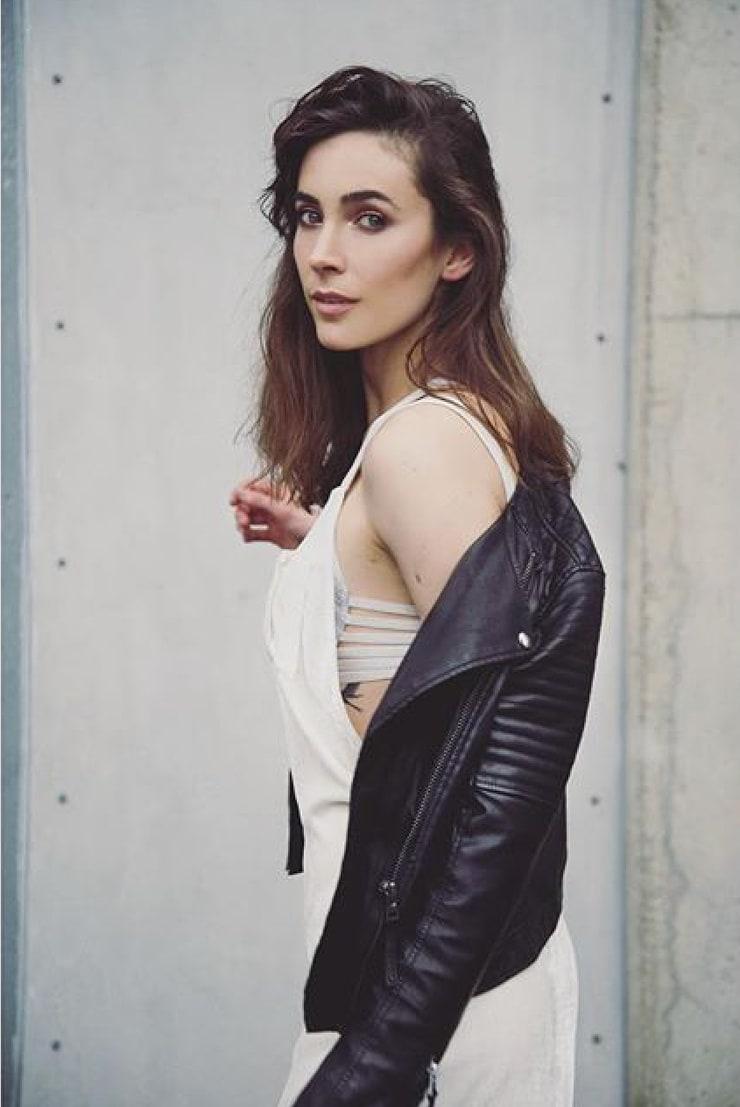 Geraldine Hakewill