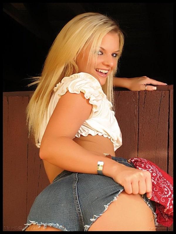 Pornostar Cassie Courtland