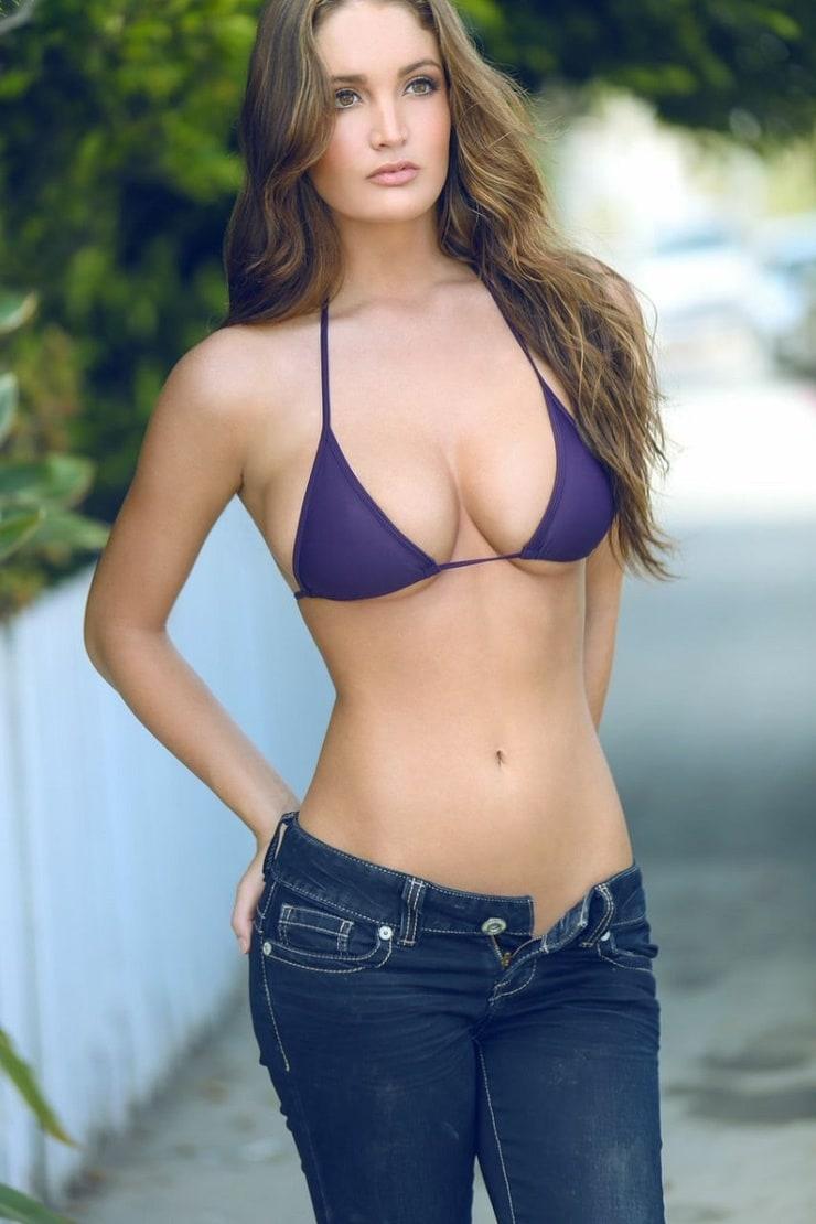 Ashlynn Coray Nude Photos 20