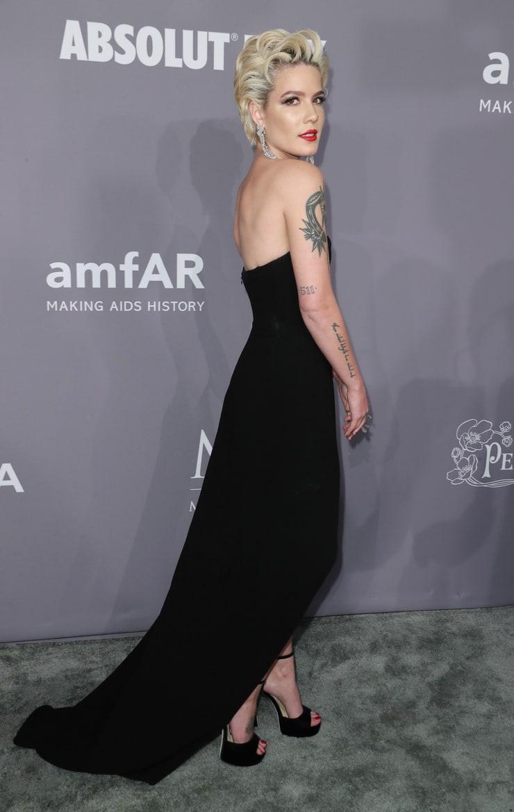 Feet Halsey Braless naked (19 foto and video), Ass, Sideboobs, Instagram, underwear 2018