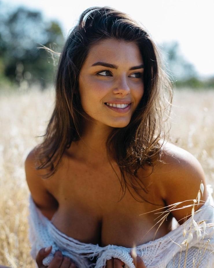 Lauren Searle