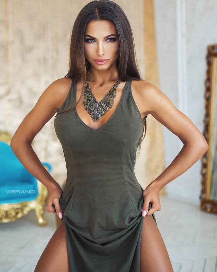 Daria Shy   Russian beauty, Daria, Model hair color