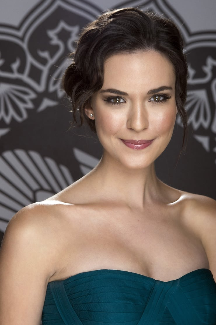 Picture of Odette Annable