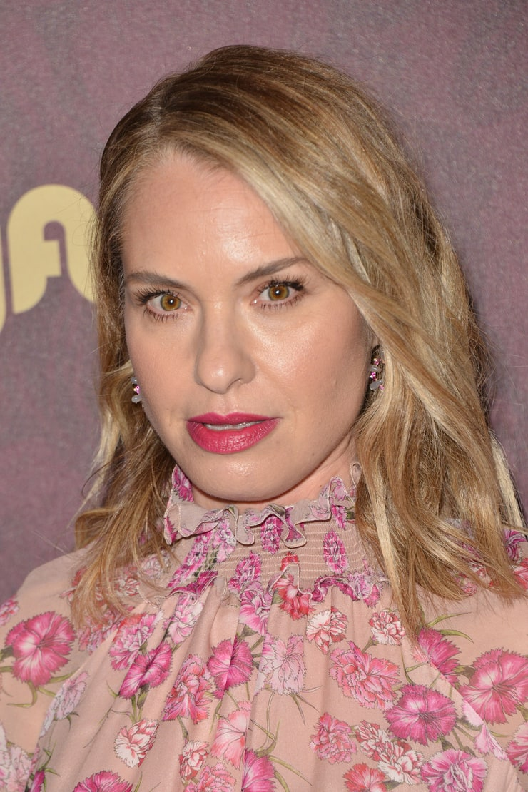 Watch Leslie Grossman video