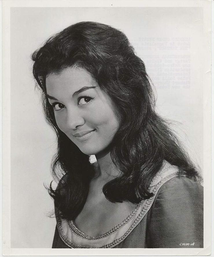 Bella Cortez