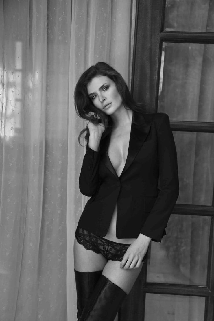 2019 Julia Lescova nude (21 photos), Tits, Sideboobs, Twitter, braless 2019