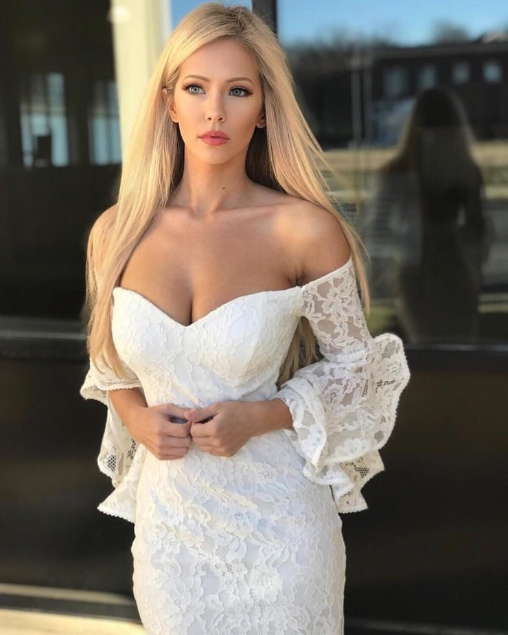 Amanda Taylor (Model)