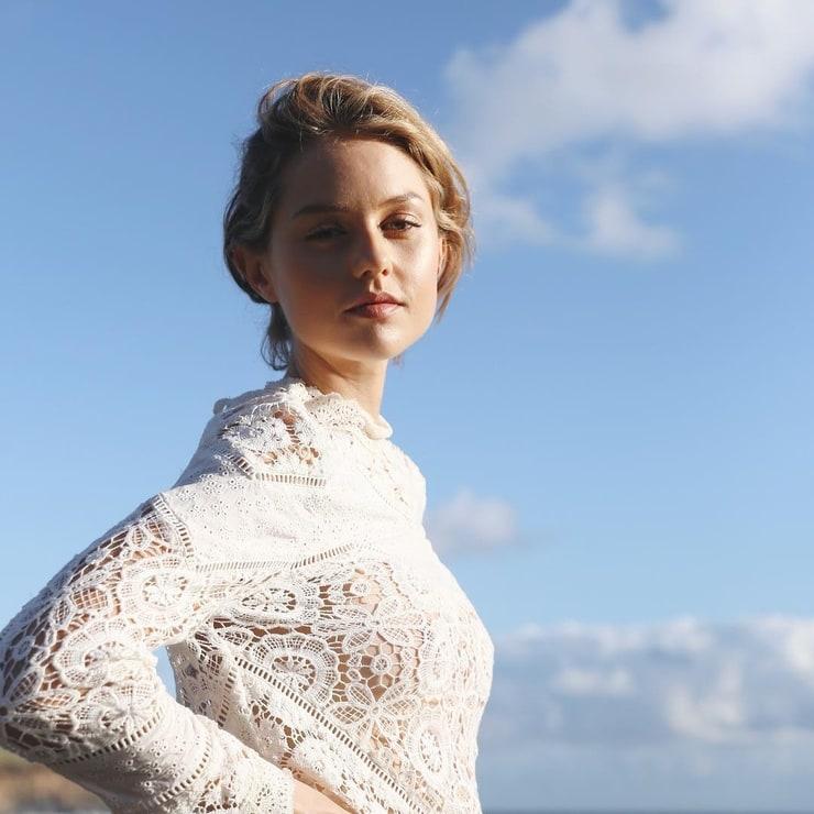 Isabelle Cornish Happy girly! | Girly, Women, Beauty