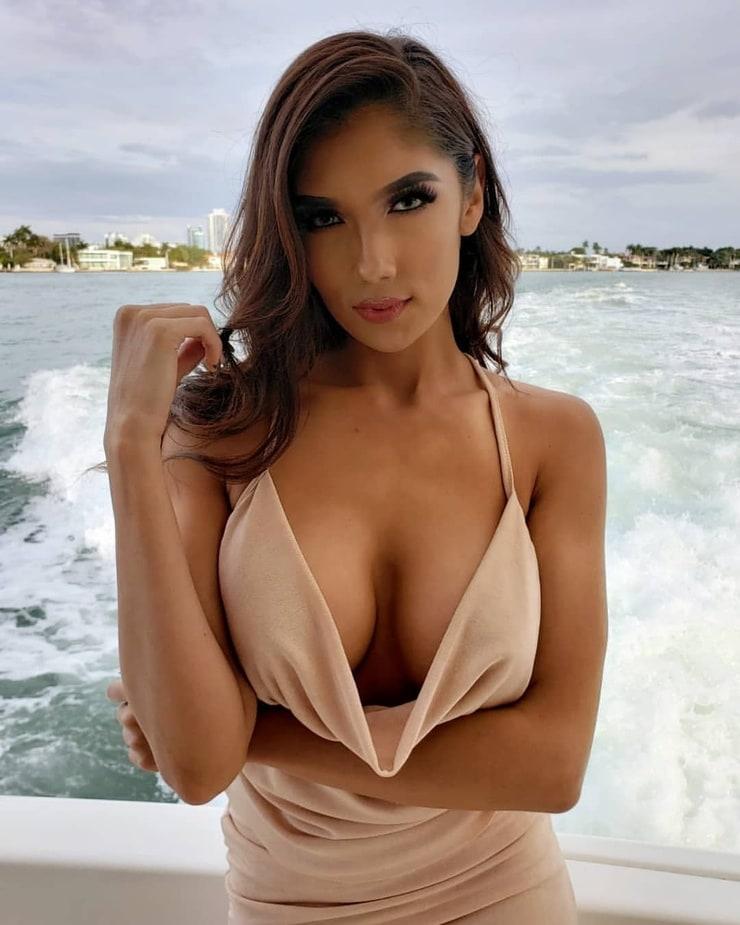 Picture Of Diana Vazquez