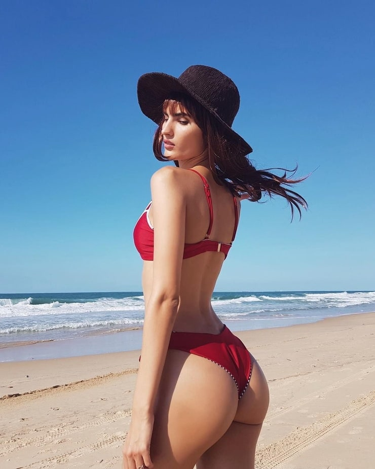 Yael Cohen (model)