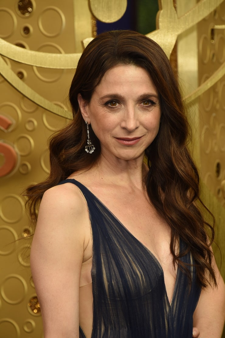 61 Sexiest Marin Hinkle Boobs Pictures Will Make You Envy